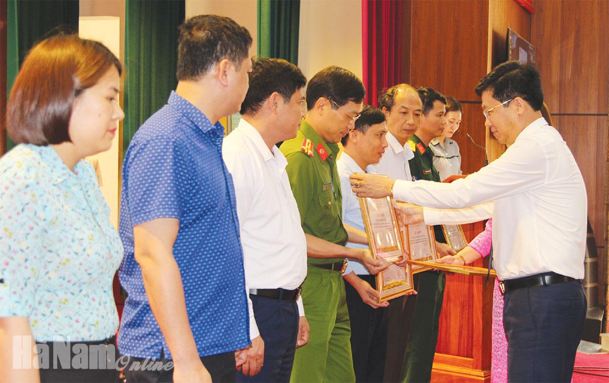 Ghi nhận sau 5 năm thực hiệnChỉ thị 05 của Bộ Chính trị