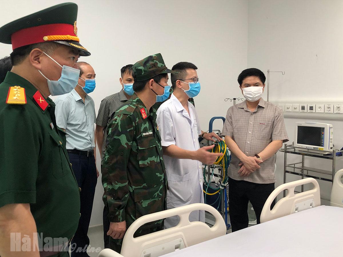 Đồng chí Chủ tịch UBND tỉnh Trương Quốc Huy thăm động viên các lực lượng đang làm nhiệm vụ chống dịch Covid19