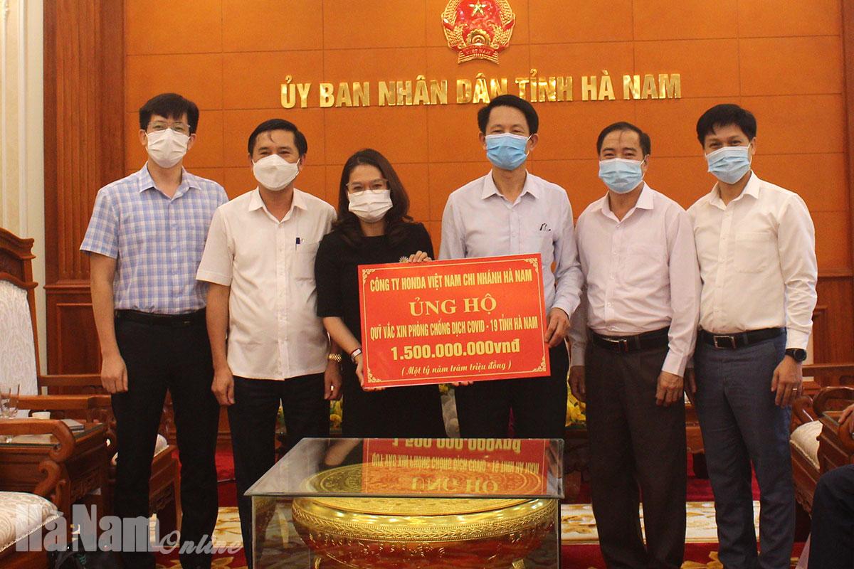 Quỹ Vắcxin phòng Covid – 19 tỉnh Hà Nam tiếp nhận trên 32 tỷ đồng ủng hộ từ doanh nghiệp